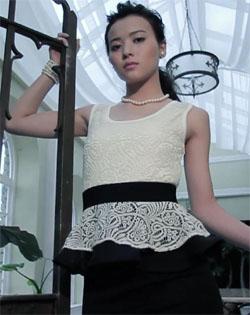 Yajima Maimi, a Chelsie című DVD egyik jelenetében.