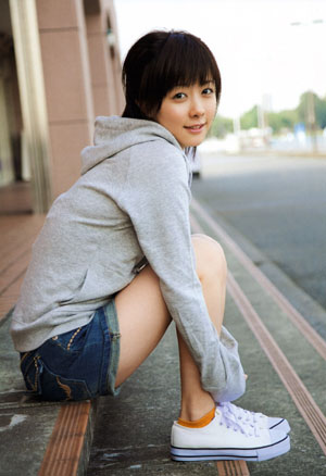 Shimizu Saki (Berryz Koubou) első photobookjában, a SAKI-ban.