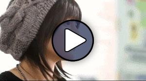 Tsugunaga Momoko a Berryz Koubou Tomodachi wa tomodachi nanda című MV-jében