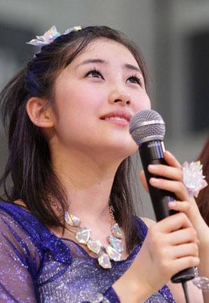 Sato Masaki a Morning Musume 'Toki wo koe sora wo koe / Password is 0' című kislemezének megjelenési event-jén