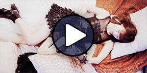 Ikuta Erina és Sato Masaki a Morning Musume Sexy cat no enzetsu című MV-jében