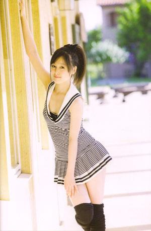 Kusumi Koharu (ex-Morning Musume) a negyedik, Sugar Doll című photobookjában.