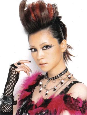 Yoshizawa Hitomi (ex-Morning Musume) Hangry&Angry tagként